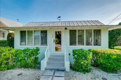 Homes-380 Tarpon Avenue